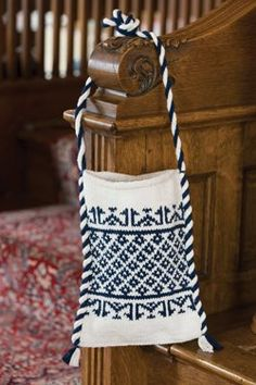 Islamic-Patterned+Shoulder+Bag+in+Indigo+and+White+-+Media+-+Knitting+Daily