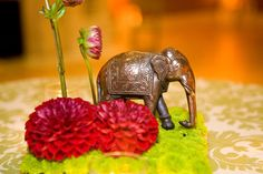 indian wedding floral centerpiece with elephant Indian Wedding Favors, Indian Wedding Planner, Indian Wedding Photos, Indian Weddings, Wedding Planners, Wedding Reception Decorations, Wedding Centerpieces, Wedding Ideas, Table Decorations