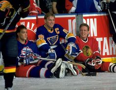 with Brett Hull and Jeremy Roenick Hockey Games, Ice Hockey, Detroit Red Wings, Hockey Pictures, Tyler Seguin, Sports Personality, St Louis Blues, Chicago Blackhawks, Hockey Players