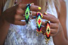 pretty friendship bracelets