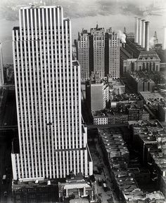 Daily News Building (Raymond Hood), 42nd Street between Second and Third Av... by New York Public Library, via Flickr