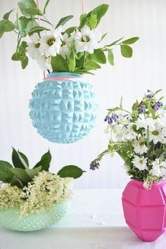6 Experienced Tips AND Tricks: Vases Decoration How To Make blue vases large.Vases Decoration How To Make. Upcycled Furniture, Vintage Furniture, Furniture Ideas, Plywood Furniture, Furniture Design, Diy Hacks, Shop Light Fixtures, Globe Crafts, Vase Design