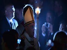 """el Sumo Pontífice bautizó y confirmó a diez personas de entre 7 y 58 años. Llamó a que los creyentes lleven la fe """"hasta los confines de la ..."""