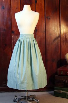 mint green 1950s vintage full skirt // size medium