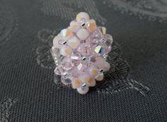 Bague losange 7 fleurs rose en perles de cristal swarovski