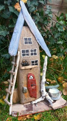 driftwood house Made by a piece of a boat. made by EVAS