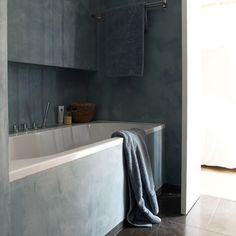 Tadelakt bathroom. This tadelakt bathroom has a strong and tough appearance. You can use Tadelakt in different colors. source: http://www.housetohome.co.uk
