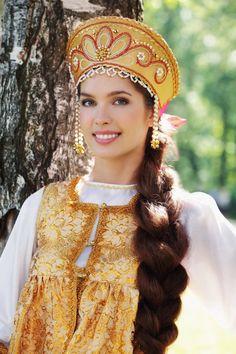 braid............................................................................... Miss Universe Russia 2012, Elizaveta Golovanova