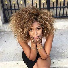 @its_me_co  #repost #teamnatural #naturalista #naturals #naturalhair #curls #curly #curlyhair #curlygirl #curlbox #mixedchick #smile #amazing #selfie #hairstyle #beautifulhair #afro #girl #love #beautiful #cute #myhaircrush #bighair #sweetheart #darkhair #longhair #linda