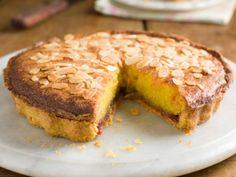 Lemon and poppy pound cake - HQ Recipes Lemon Recipes, Sweet Recipes, Cake Recipes, Köstliche Desserts, Delicious Desserts, Yummy Food, Quiches, Mozarella, Cake & Co
