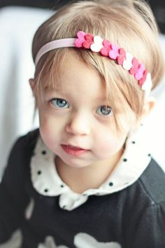 Handmade by Helga: Felt hair accessories for little girls Felt Hair Accessories, Girls Accessories, Sewing Accessories, Felt Headband, Baby Headbands, Headbands For Girls, Knotted Headband, Handmade Headbands, Headband Hairstyles
