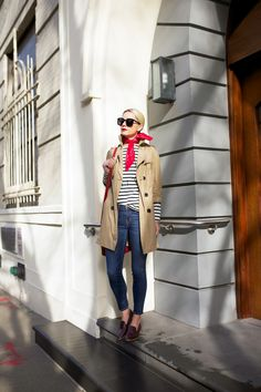 Atlantic-Pacific is a fashion and personal style site by Blair Eadie. Atlantic Pacific, Date Outfits, Spring Outfits, Smart Casual, Casual Chic, Mode Cool, Trench Coat Outfit, Blair Eadie, Parisienne Chic