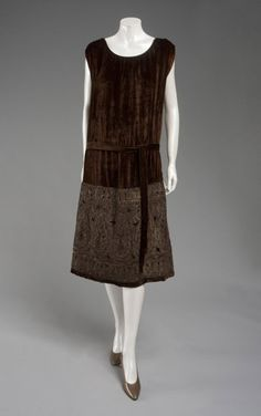 Woman's Dress and Belt    Made in France, Europe  c. 1925    Designed by Vitaldi Babani