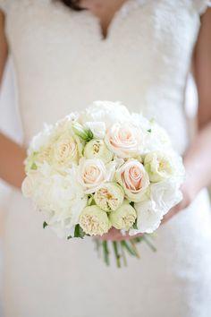Elegant Rose Bridal Bouquet | Image by Lauren Michelle Photography