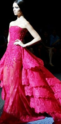 Now for a place to wear this fabulous gown! Fairytale Gown, Luxury Lifestyle Fashion, Michael Cinco, Beautiful Gowns, Gorgeous Dress, Pink Fashion, Nice Dresses, Amazing Dresses, Pretty Outfits