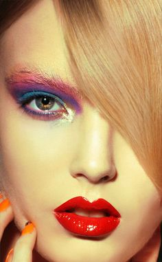 #makeup #red #lips #lipsticks #colours #nails #eyes #eyebrows #tips #beauty #faces #maquillaje #soft #pink #blue #violet #green #eyes #long #blonde #hair