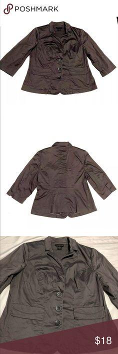 "Lane Bryant blazer jacket pockets 3/4 sleeve gray Lane Bryant women's blazer Size 14 Gray Pockets Length from armpit down 12"" Armpit to armpit 20"" Smoke free home FAST SHIPPING Lane Bryant Jackets & Coats Blazers"
