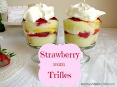This Strawberry Trifle dessert is really quick & easy to make and looks delicious on a party dessert table. Your local craft store may sell the mini glass trifle bowls. If not, clear plastic cups work well too. Parfait Desserts, Party Desserts, Mini Desserts, Delicious Desserts, Dessert Buffet Table, Dessert Cups, Dessert Trifles, Strawberry Trifle, Mini Trifle
