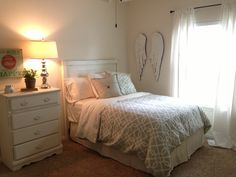 The Magnolia Mom - Joanna Gaines  College room makeover