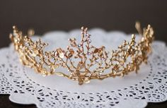 Gold Goddess Wedding Crown Circlet with Gold Leaf,Small Flowers and Little Butterflies, Gold crown with little butterfly and Flowers SALE-Golden Goddess Wedding Crown Circlet Wreath with Golden Leaves, Small Flowers and Little Butterflies Cute Jewelry, Hair Jewelry, Wedding Jewelry, Wedding Accessories, Jewelry Accessories, Accesorios Casual, Golden Goddess, Mode Blog, Beautiful Goddess