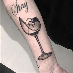 Stay broken – a broken glass tattoo on the right inner arm Cool Arm Tattoos, Black Tattoos, Small Tattoos, Broken Glass Art, Shattered Glass, Heartbroken Tattoos, Heartbroken Quotes, Paris Tattoo, Stylish Tattoo