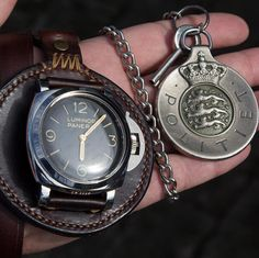Key chains are not only meant for keys. These are two very important objects to me, my #PAM372 and my old police badge. Wonderful leather chain by Mr. @tiptopleather🔝#panerai #paneraiwatch #paneraicentral #paneristi #risti #luminorpanerai #watches #paneraistrap #watchstrap #whatchs #watchanish #watchoftheday #watchesofinstagram #watchmania #dailywatch #horology #instawatchclub #watchphotography #luxurywatch #wristwatch #watchfam #watchnerd #danishpaneristi #paneristipics