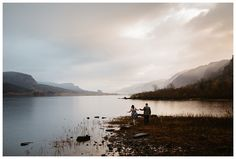 Engagement photos at Dalton Point in the Columbia River Gorge by Katy Weaver Photography