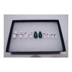 Christmas Tree/Lights Nail Set, 20 Nails, Christmas Nails, Fake Nails, Gift For Her, Almond Nails, Stiletto Nails, Christmas lights by LacqcuredNails on Etsy
