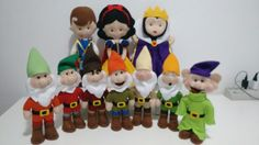 Branca de neve, príncipe,madrasta e os sete anões em feltro, feitos por mim!!!