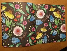 Instagram media maaya.takaoka - #大人のぬり絵 #wildflowers #野の花のぬり絵ブック #処女作 #こないなりました #テーマはね #とにかくね #happy #ワクワクウキウキらんらんらーんみたいな #春の陽気 #そんな気分。♡ #次はどのページにしようかな