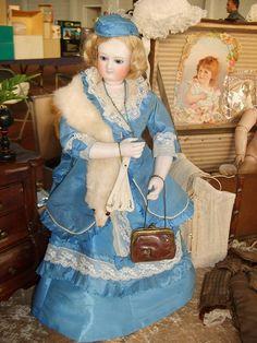 Antique doll in s.XIX fashion by Lisey de OZ, via Flickr