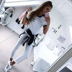 cute back to school outfits 2017 Back School Outfits, School Wear, College Outfits, Outfits For Teens, Cool Outfits, Back To School Clothes, College Casual, School School, School Style