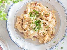 One Pot Pasta- cremige Fettucine mit getrockneten Tomaten und Parmesan