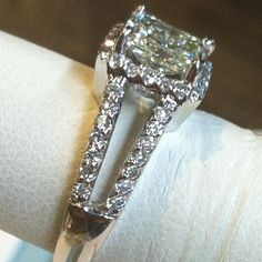 Radiant Cut with Split Band Radiant Engagement Rings, Radiant Cut Diamond, All That Glitters, Wedding Ideas, Band, Bracelets, Jewelry, Sash, Jewlery