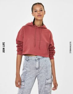 Cropped sweatshirt with hood - Sweatshirts & Hoodies - Bershka Germany Hooded Sweatshirts, Hoodies, Fashion News, Hooded Jacket, Sweaters, Jackets, United States, Products, Cowls