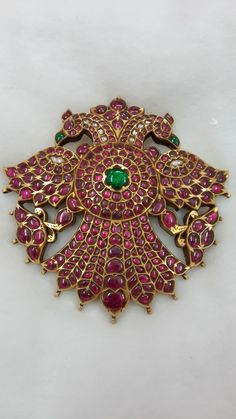 Wedding Jewellery designer, manufacturer, retailer , exporter and valuer. Head Jewelry, Ruby Jewelry, India Jewelry, Gold Temple Jewellery, Gold Jewellery Design, Locket Design, Gold Pendent, Pinterest Jewelry, Indian Wedding Jewelry