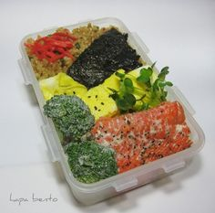 hapa bento= funnest website!  Love all the Japanese and non-Japanese takes on the beautiful bento!!