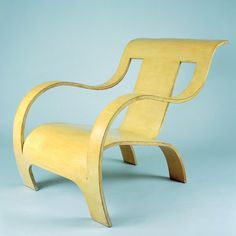 Plywood Armchair Gerald Summers Design: 1933 - 4 Production: since 1935 Manufacturer: Makers of Simple Furniture, Ltd., London Size: 74 x 60.5 x 91.5; seat height 32 cms Material: bent plywood