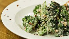Salade tiède de brocoli, chèvre frais et noix parJonathan Garnier Vegetable Recipes, Salads, Sandwiches, Vegetables, Ciel, Food, Vegetable Salad, Brocolli Salad, Vegetarische Rezepte