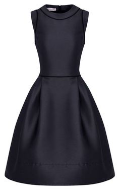 What to Wear to a Funeral: Funeral Outfit Ideas, Colors, Dos & Don'ts Simple, pretty black dress, appropriate for formal occassions such as a funeral Day Dresses, Cute Dresses, Vintage Dresses, Dress Outfits, Fashion Dresses, Fashion 2018, Women's Fashion, Dresses Dresses, Petite Fashion