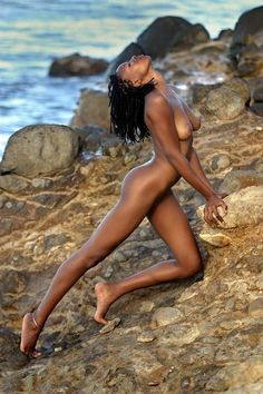 Leila by abclic on DeviantArt Hot Black Women, Beautiful Black Women, Black Girls, Beautiful Body, Simply Beautiful, Crossover, Tankini, Figure Drawing Models, Ebony Beauty