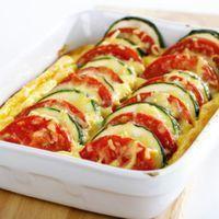 Zapiekanka z cukinii - przepis Vegetarian Recipes, Snack Recipes, Dinner Recipes, Cooking Recipes, Healthy Recipes, Good Food, Yummy Food, Mediterranean Diet Recipes, Flan