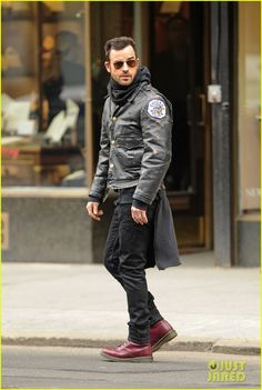Justin Theroux Stays Warm in Chicago Police Leather Jacket! | Justin Theroux Photos | Just Jared