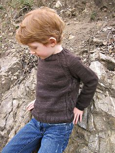 Soledad - Young Country Gentleman Sweater (1-10 years) -Pattern by Annika Barranti - Petite Purls