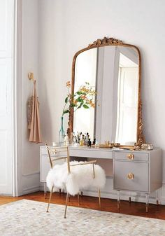 serious (and chic) vanity situation.