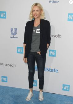 Selena Gomez, Charlize Theron and more A-listers attend the WE Day event in the LA Looks Con Converse, Outfits With Converse, Blazer Outfits, Mode Outfits, Chic Outfits, Fashion Outfits, Demi Lovato, Charlize Theron Style, Mode Jeans