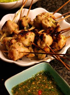 chicken skewers with chili peanut sauce