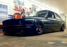 BMW E30 3 series slammed black