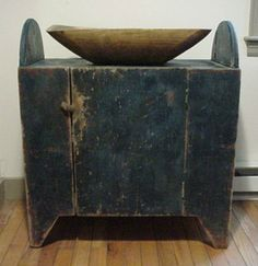 New England Folk Art Cupboard In Blue Paint .~♥~ wonderful example for my attempts at distressing. Primitive Furniture, Primitive Antiques, Country Furniture, Country Primitive, Old Antiques, Antique Furniture, Painted Furniture, Antique Paint, Antique Decor