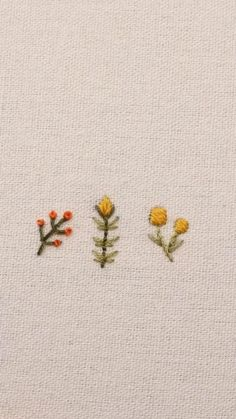 Hand Embroidery Patterns Flowers, Hand Embroidery Videos, Embroidery Stitches Tutorial, Hand Embroidery Flowers, Cute Embroidery, Embroidery Techniques, Simple Flower Embroidery Designs, Embroidered Flowers, Diy Clothes Embroidery